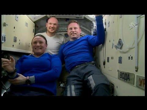 العرب اليوم - شاهد : عودة البعثة الفضائية 57 إلى الأرض