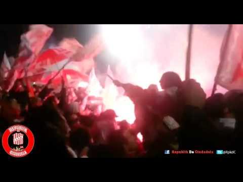 """""""RpkdC - La HINCHADA de SAN MARTIN DE TUCUMAN desde la tribuna - 19/6/15"""" Barra: La Banda del Camion • Club: San Martín de Tucumán"""