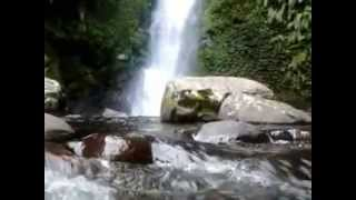 preview picture of video 'Twin Waterfall at Sinjai Borong 1'