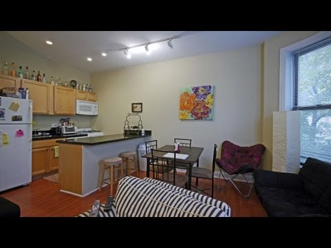 Remodeled 3-bedroom apartments in a terrific Lincoln Park location