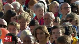 Il Papa all'udienza generale: la Chiesa non sia roccaforte
