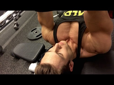 Wie die Brust mit den Nüssen zu vergrössern