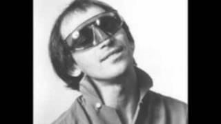 Jo Jo Zep & The Falcons - 'Hit & Run' [1979 single with lyrics]