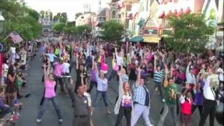 Disneyland Flash Mob Dance on Main Street U.S.A before Soundsational parade