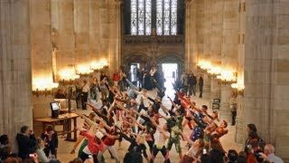 Macklemore Flash Mob @ Yale: The Heart of the University Beats Strong