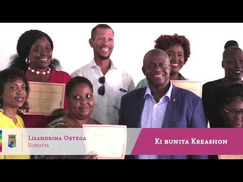 Entrega di sertifikado na final di proyekto Ki Bunita Kreashon