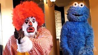 Gambar cover Ronald McDonald VS Cookie Monster