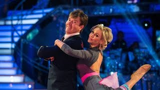 Daniel O'Donnell & Kristina dance the American Smooth to 'Fly Me To The Moon' - Strictly: 2015