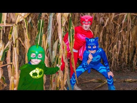 Corn Maze with Disney PJ Masks featuring the Assistant and Catboy, Owlette and Gekko