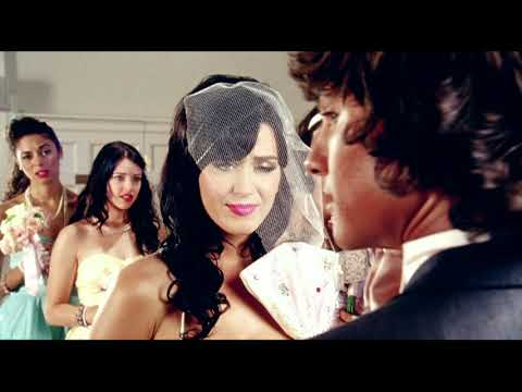 Katy Perry - Hot N Cold (Official) Screenshot 2