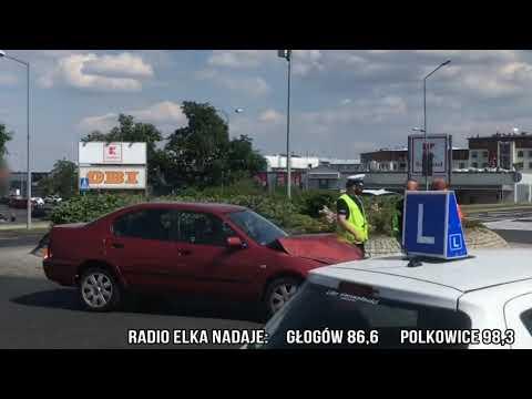 Wideo: Kolizja na rondzie w Lubinie
