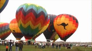 preview picture of video 'Adirondack Hot Air Balloon Fest 2011- colorful'
