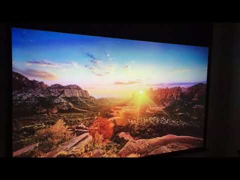 "BenQ W2000 Beamer vs. 43"" LED Samsung TV"