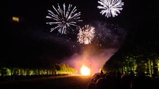 preview picture of video 'Le feu d'artifice du Château de Versailles - Bouquet final'