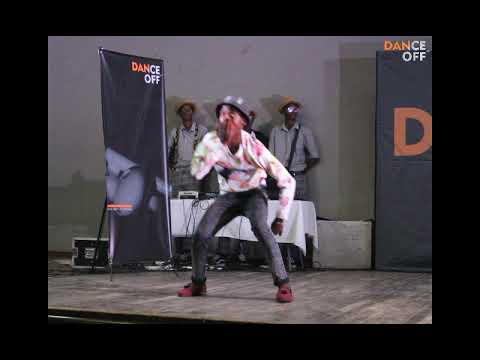 Hanza vs Mos T ( Izikhothane dance battle)-Dance off