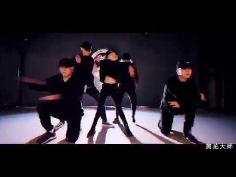 Little girl's amazing dance cover of Kris Wu's July!