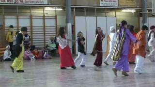 preview picture of video 'Ball 5é Carnaval 2010 Escola Sant Josep'