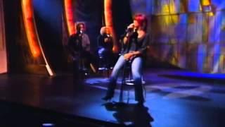 "Kelly Rowland - ""Stole"" @ Apollo."