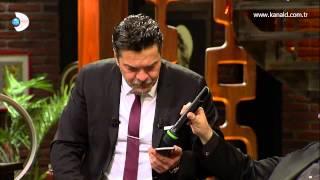 Beyaz Show - Akıllı telefon asistanı ile Beyaz ve Ata Demirer'in komik muhabbetleri!