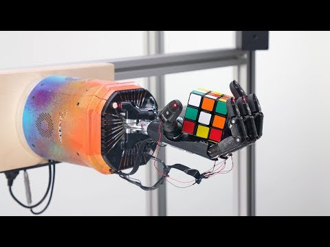 Ρομποτικό χέρι λύνει τον κύβο του Ρούμπικ