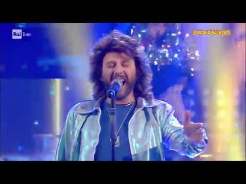 Barry Gibb dei Bee Gees - Fabio Cacace canta 'Stayin' alive' - Tali e Quali 22/11/2019