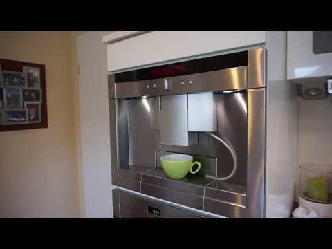 Neff Kaffeevollautomat c77v60 / leckt Kaffee unter der Tropfschale