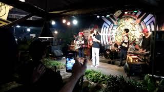 Iwenk Fals Feat Varid Putra Mba Surip