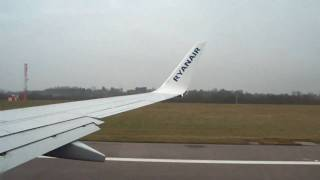 preview picture of video 'Ryanair London Stansted Takeoff'