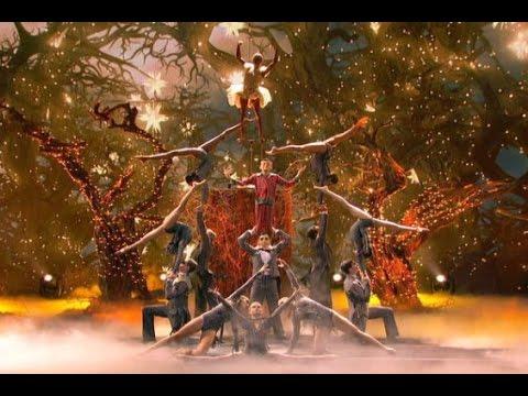 """מופע אקרובטיקה מרהיב וקסום ברוח הסרט """"הסיוט שלפני חג המולד"""""""