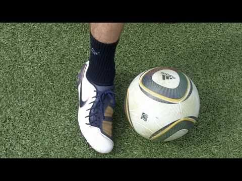 Cristiano Ronaldo Freistoß Tutorial / Flatterball | How To Shoot A Knuckle Ball | german/deutsch