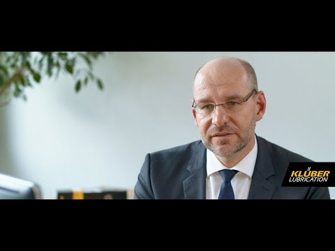 Hydro Lubricants - Interview with our expert Dr. Wolfgang Sammer