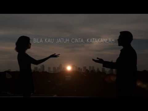 Hivi Siapkah Kau Tuk Jatuh Cinta Lagi Official Lyrics Video