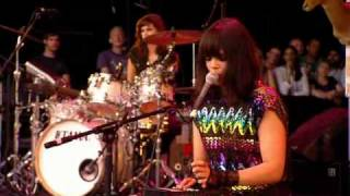 Bat For Lashes - Prescilla (Glastonbury 2009)