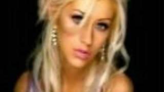 Christina Aguilera-Pero Me Acuerdo De Ti (with lyrics onscreen)