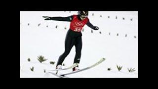 女子ジャンプ・ルンビ、公式練習でヒヤリ大ジャンプ後にバランス崩し転倒|BIGLOBEニュース