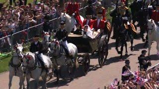 Windsor : la calèche de Harry et Meghan sur le Long Walk | Kholo.pk