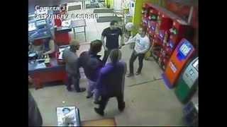 Драка в магазине ( В один удар)