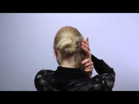Einfacher Dutt mit Haarnadel - Eure Festtagsfrisur von ahuhu organic hair care