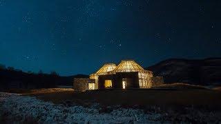 他們在零下30℃的荒原裏,爲孩子們造了座星空圖書館,美呆了!Daniel Wu Builds a Grassland Guesthouse Where You Can See Stars
