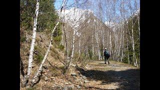 preview picture of video 'De camí al Pla de Boavi - Walking toward the Boavi Plain'