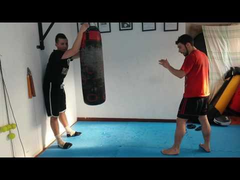 Kick boxing - allenamento al sacco - calci circolari - jkd