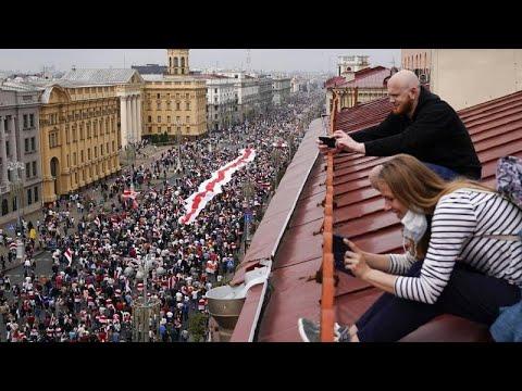 «Αλυσίδες» αλληλεγγύης για τους διαδηλωτές της Λευκορωσίας…