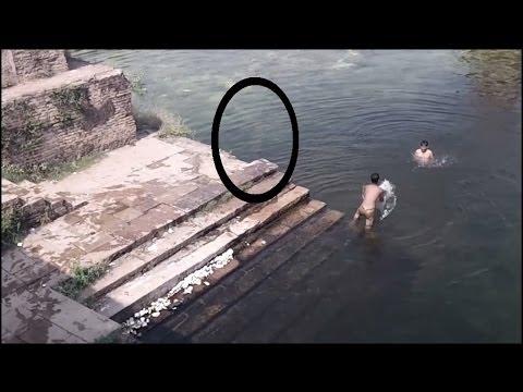 靈體跳入湖中!