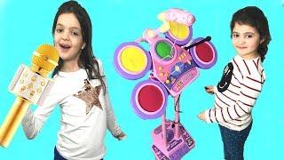 EYVAH! ÖYKÜ KONSER VERİYOR - Funny Kids Music Video