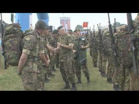 Vierdaagse 2010 - Vaantje voor beste landmacht detachement