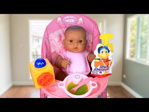 Куклы Пупсики Кормим Бьянку Полезной Едой Играем Как Мама Игрушки для детей