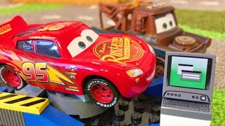 Тачки Молния Маквин Мэтр Чудо Гараж Мультики про Машинки Cars 3 Lightning McQueen