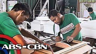 TV Patrol: Mga Sumukong Drug User At Pusher, Paggawa Ng Ataul Ang Bagong Hanapbuhay