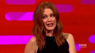 CRINGE WORTHY Texts With Julianne Moore - The Graham Norton Show