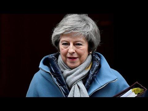 Brexit: Στα «σχοινιά» η Μέι – Πρόταση μομφής ετοιμάζει ο Κόρμπιν…